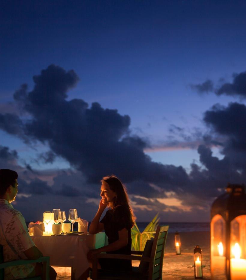 19_Outrigger Konotta Maldives_Beach dinner