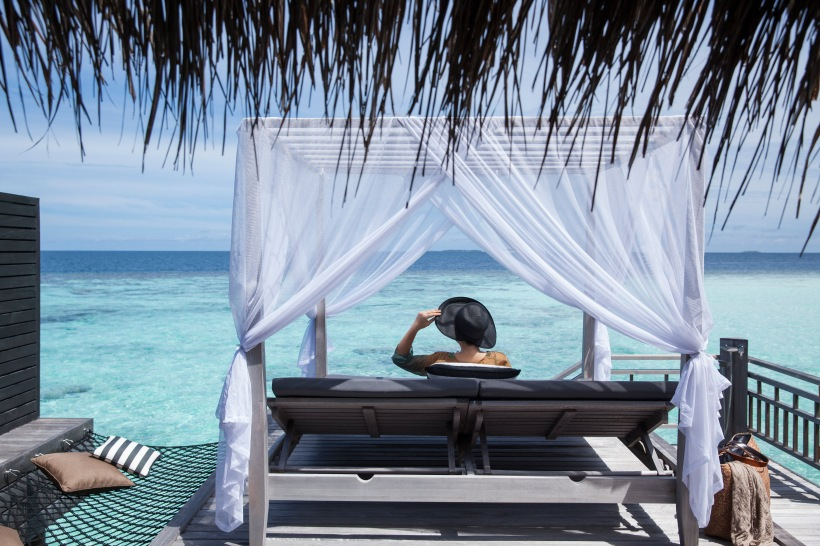6_Outrigger Konotta Maldives_Ocean Pool Villa_Terrace