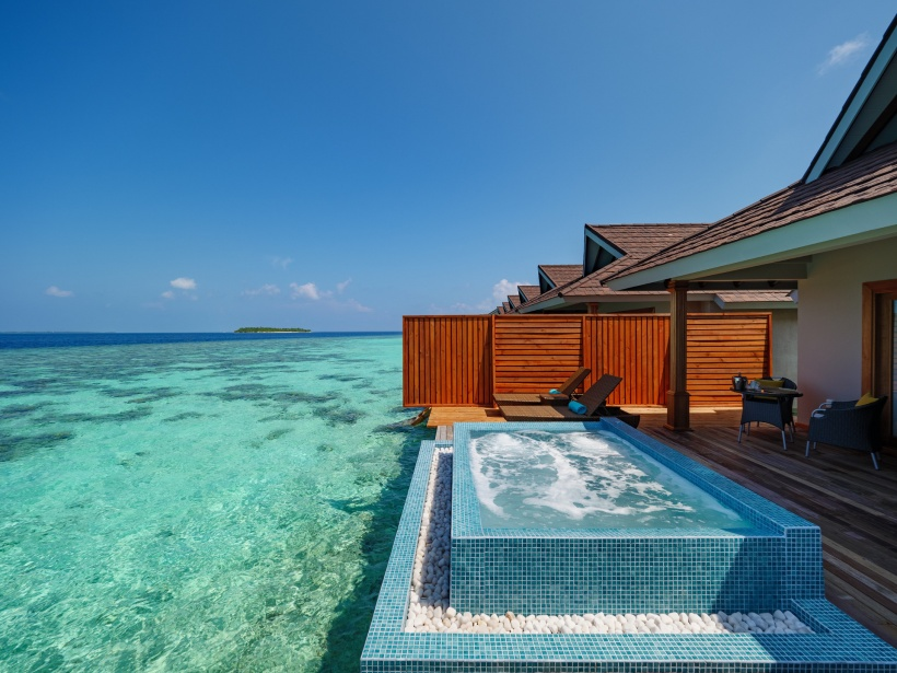 CarpeDiem_Ocean-Water-Pool-Villa-deck res