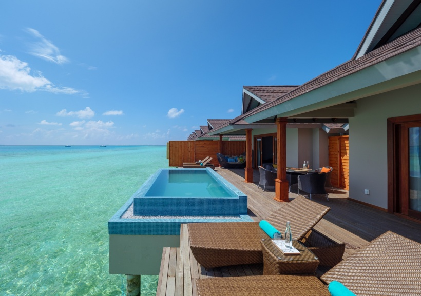CarpeDiem_TwoBedroom-Water-Pool-Villa_Deck-relaxation res