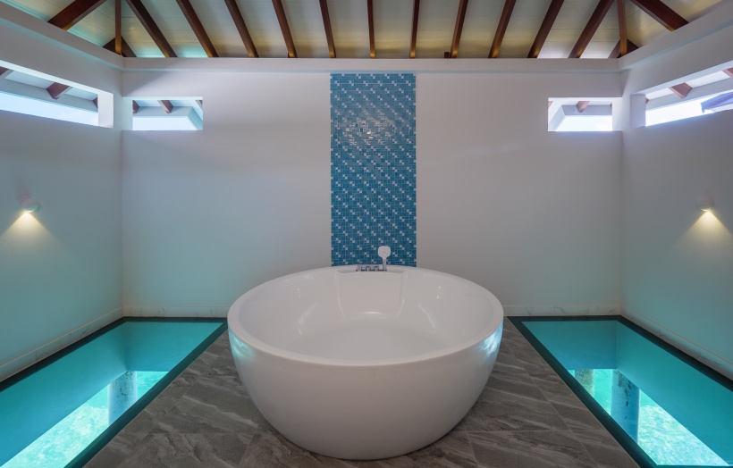 CarpeDiem_Watervilla-bathtub res